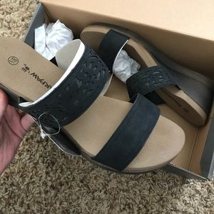 ca1237018 BearPaw Shoes - BEARPAW Noelle Wedge Sandal
